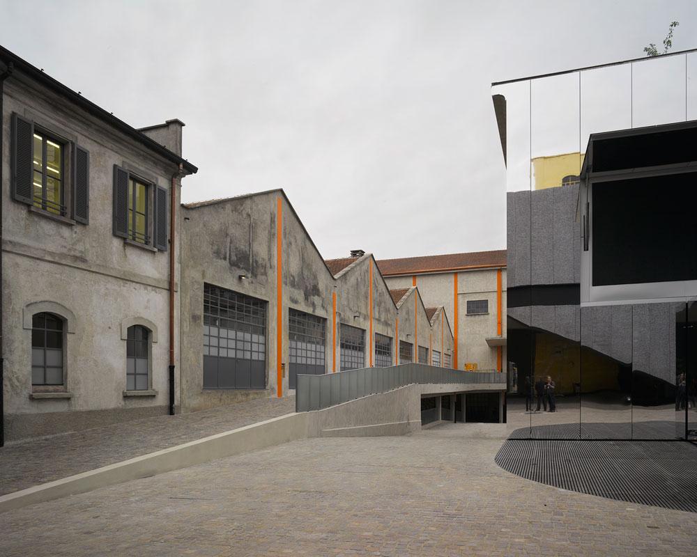 המתחם מכיל שבעה בניינים קיימים ושלושה חדשים: חלל לתערוכות מתחלפות, בית קולנוע ומבנה נוסף בן עשר קומות שטרם נבנה (צילום: Bas Princen)