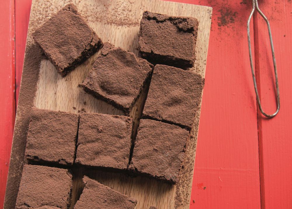 בראוניז שוקולד פרווה (צילום: דניאל לילה, סגנון: עמית פרבר)