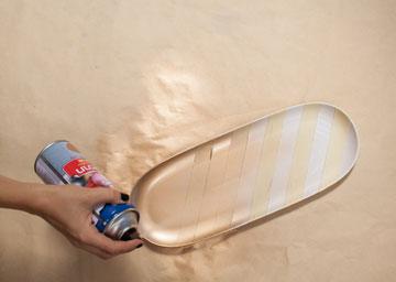 מרססים את הכלי  (צילום: כפיר חרבי)