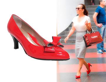 אוולין הגואל משדרגת את הרגליים ההורסות שלה בנעלי פפיון של Beautifeel (מחיר: 1,250 שקל) (צילום: רפי דלויה, אלכסי וייסנבלום)