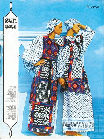 """""""נשים היו לובשות את השמלות האלה כבגדי ערב לאופרה ולתיאטרון"""", מספר צלם האופנה בן לם על השמלות של רוז'י בן יוסף (צילום: בן לם)"""