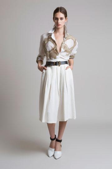 מידי: נעם פרוסט בחצאית של אלמביקה (צילום: גיא כושי ויריב פיין)