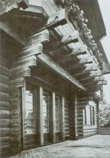 בית זומרפלד בברלין, 1921, בעיצוב גרופיוס ואדולף מאייר. דווקא עתיר קישוטים, בניגוד לדימוי של הבאוהאוס
