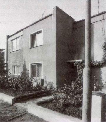 פרויקט הדיור הניסיוני בשכונת Torten בדסאו, 1926-1928. נעשה מתוך אמונה שתפקידו של האדריכל הוא לשפר את גורלו של האדם הפשוט