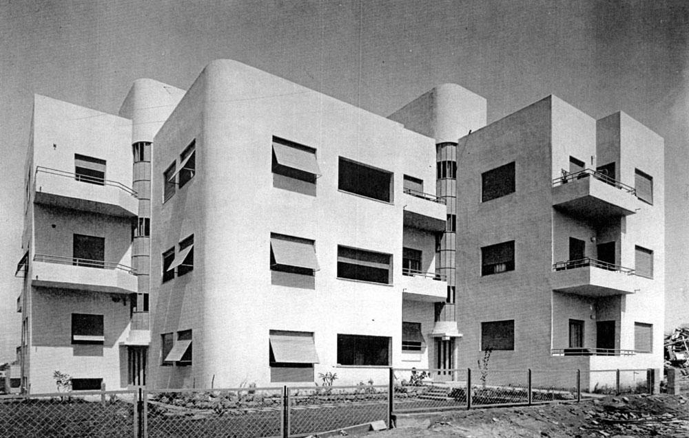 בתל אביב אוהבים לקרוא לזה ''באוהאוס''. אבל זה לא: ''הסגנון הבינלאומי'' הוא המונח המדויק יותר. בניין בשדרות רוטשילד, בתכנון יצחק רפפורט