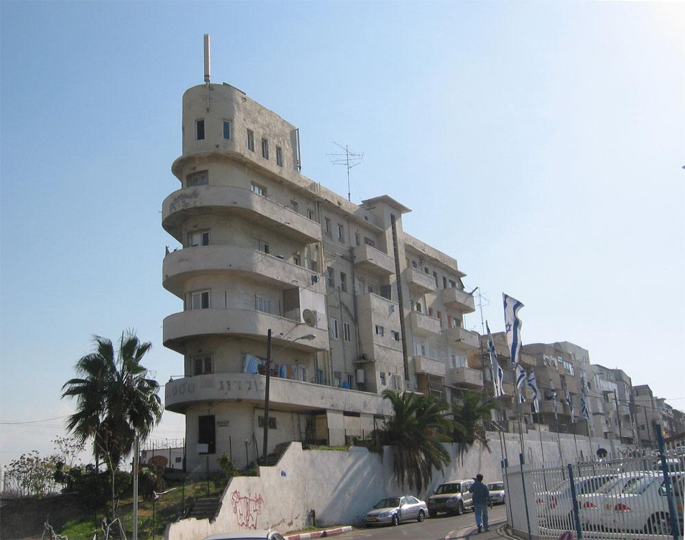 בית האוניה ברחוב ראש פינה בתל אביב, בתכנונו של האדריכל שמעון חמדי-לוי, אף הוא נבנה בסגנון הבינלאומי (צילום: מיכאל יעקובסון)