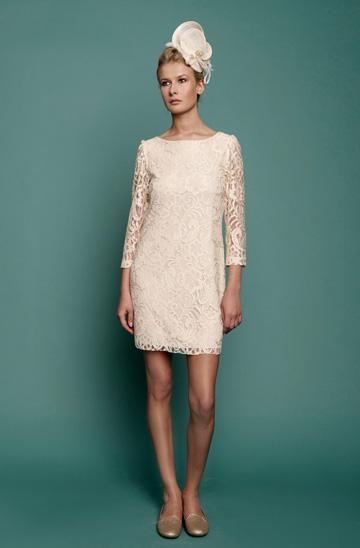 אלבה בעיצוב ארז עובדיה. מיני-קולקציה חדשה של שמלות ערב בגוונים בהירים (צילום: עידו לביא)