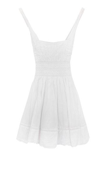 שמלת מיני לבנה, bebe. ''בשמלה הזאת הכרתי את בן זוגי'' (צילום: ענבל מרמרי)