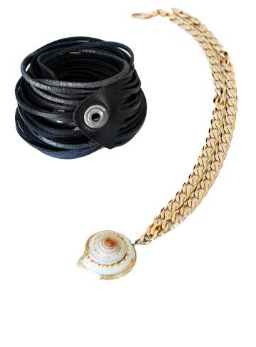צמיד עור ושרשרת עם תליון צדף. ''ליוו אותי במשך כל התקופה ב'הישרדות VIP''' (צילום: ענבל מרמרי)
