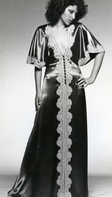 תמרה יובל ג'ונס בשבוע האופנה בישראל בשנות ה-70 (צילום: בן לם)