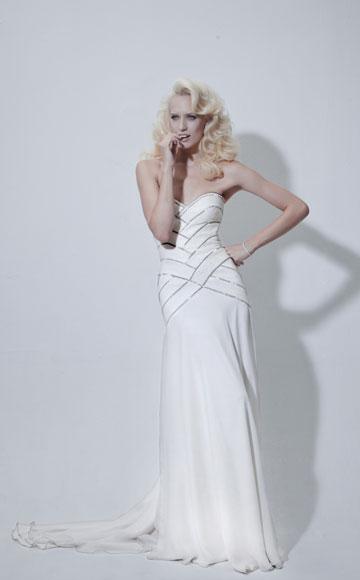 שמלת כלה של מורין וולף ביריד לכלה החכמה