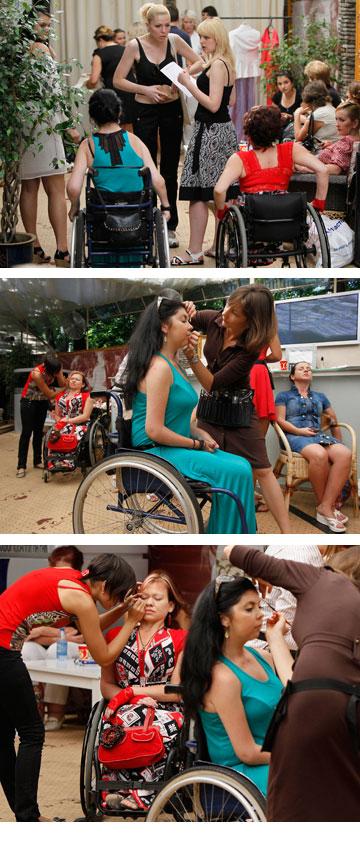 תצוגת האופנה בקייב. ''כשאני מתגלגלת בכיסא הגלגלים, בוהים בי כאילו אני חייזר'' (צילום: רויטרס)