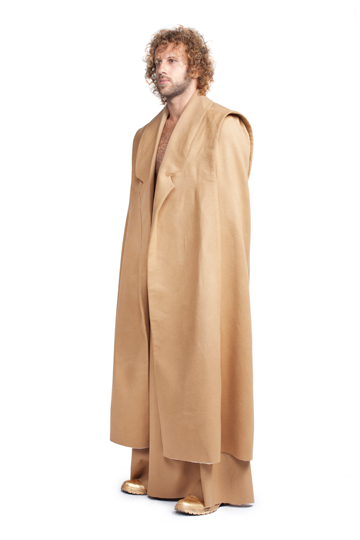 אומרי שוחט. קולקציית בגדי גברים בת שש מערכות לבוש (צילום: הילה ווגמן)