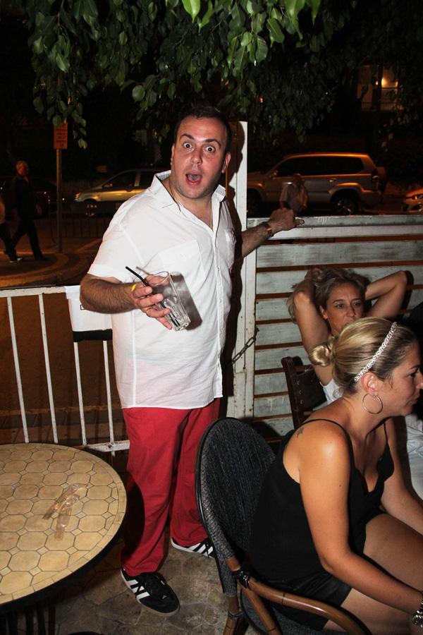 וזה ניקי גולדשטיין, בלי סיגריה ובלי סיגר (וטוב שכך) (צילום: ניר פקין)