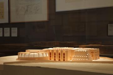 בתערוכה של לואיס קאהן במוזיאון ויטרה (צילום: Courtesy Of Vitra Design Museum)