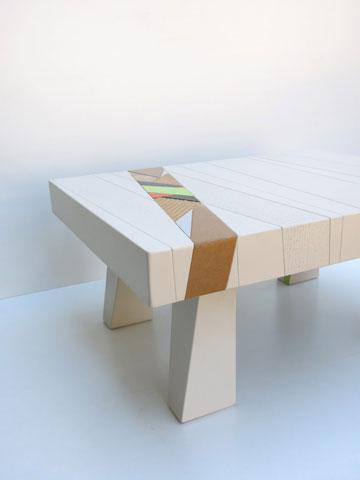 שולחן של אלי צ'יזיק (צילום: אפרת קופר)
