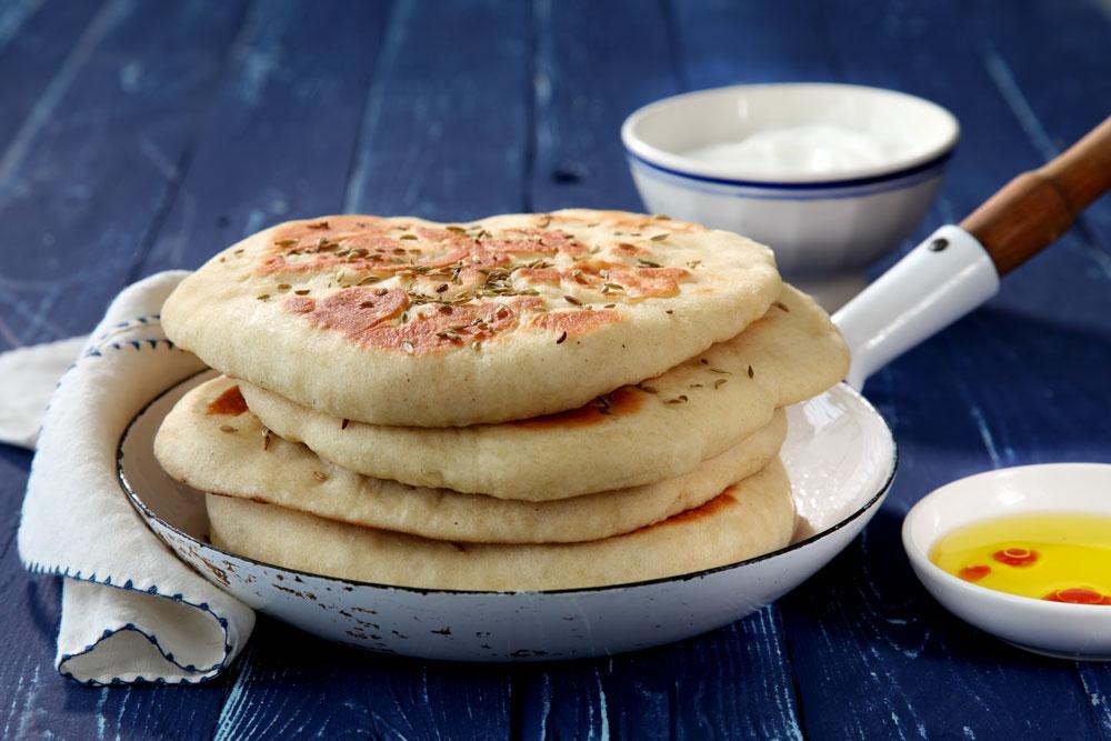 לחם טורקי מהיר מבצק יוגורט (בזלמָה) (צילום: דניה ויינר)