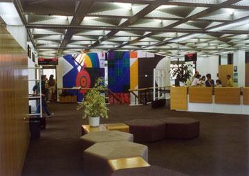 ספריית מדעי חברה וניהול באוניברסיטת ת''א (ראו קישור בסוף הכתבה) (באדיבות נדלר, נדלר, ביקסון, גיל אדריכלים)
