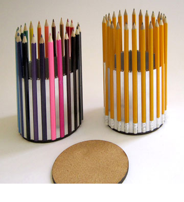 מחזיק עפרונות של לימור ירון (באדיבות: תערוכת סגמנטים בחלל - דומיסיל)