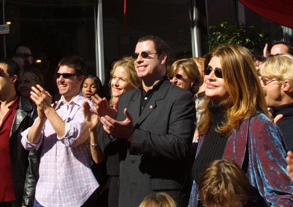 אלי (מימין), טרבולטה, קלי פרסטון וקרוז בכנס סיינטולוגי, 2001 (צילום: gettyimages)