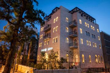 ''ביי קלאב''. ארבע קומות תוספת על הבניין המקורי (צילום: נתן דביר)