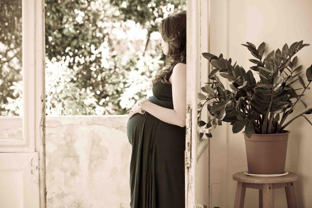 אפשר לשמור על סקס אפיל גם כשהבטן תופחת (צילום: סטודיו עדיגיטל )