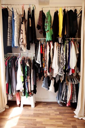 """""""אני יודעת בדיוק מה יש לי בארון"""" (צילום: אורית פניני)"""