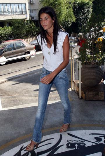 משטרת האופנה מאשרת. לינור אברג'יל, 2008 (צילום: רועי חביב)