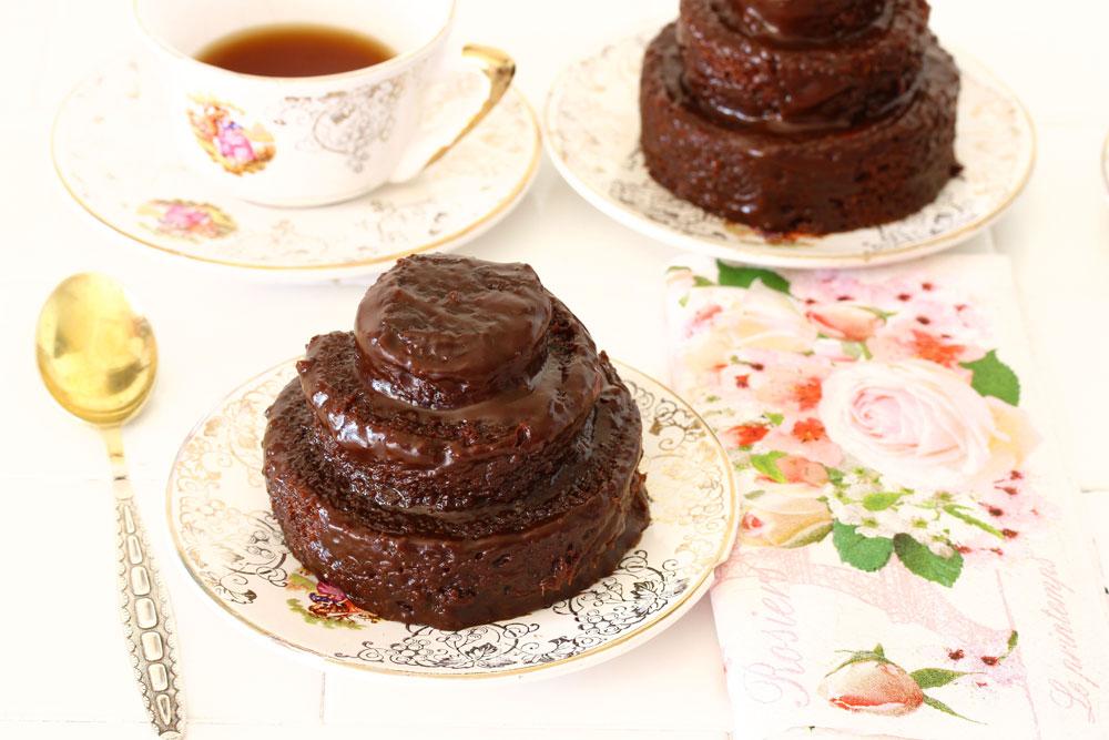 עוגת שוקולד בחושה ליום הולדת (צילום: אסנת לסטר)