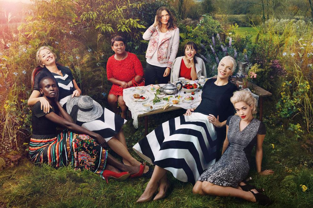 אנני לנוקס מצטלמת לצד ריטה אורה, אמה תומפסון ומפורסמות נוספות לקמפיין של מרקס אנס ספנסר