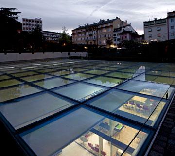 זו התקרה שלו (צילום: Alessandra Chemollo)