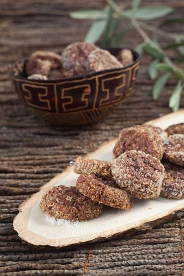 עוגיות שוקולד וקוקוס (צילום: כפיר חרבי, סגנון: דריה קרגולה)