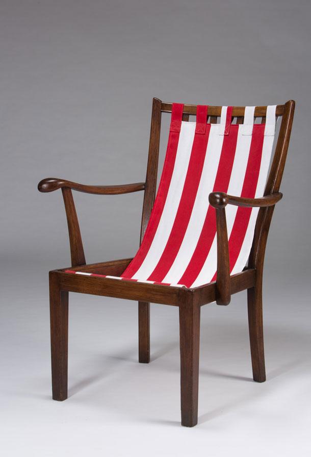 ''כיסא סבתא בבגד ים''. הניגוד בין פולניה לנתניה (צילום: עודד אנטמן)