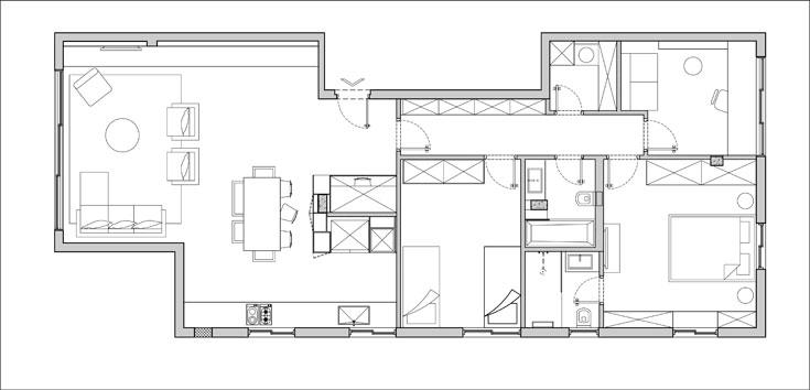 """ו""""אחרי"""". הדירה מחולקת לשני אזורים מרכזיים, ציבורי (משמאל) ופרטי (מימין), שביניהם מפרידה דלת. בין הדלת למטבח נבנתה ''קובייה'' שבה מרוכזות מערכות התשתית ושלוש מדפנותיה מנוצלות לאחסון (תכנית: ספארו אדריכלים)"""