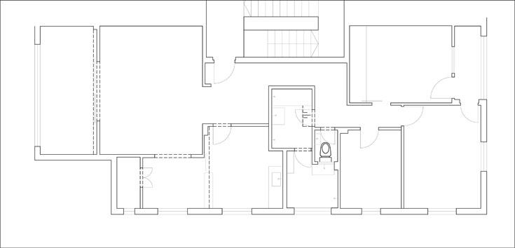 """התוכנית """"לפני"""". חמישה חדרים קטנים ומרפסת סגורה (תכנית: ספארו אדריכלים)"""