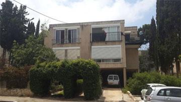 הבניין בשכונת כרמליה בחיפה