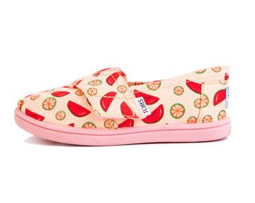 סטורי. עד 70 אחוז הנחה על רוב הפריטים ועד 30 אחוז הנחה על נעלי הילדים של המותג תומס  (צילום: אלון ראובני)