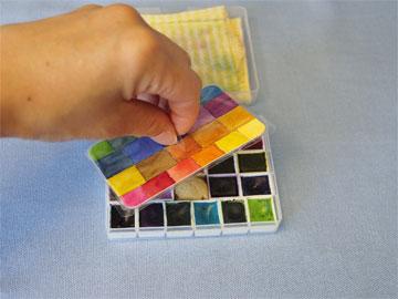 פלטת צבעים שאפשר לקחת לכל מקום (צילום: Gina Lee Kim cc)