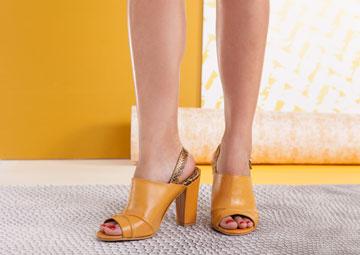 נורמן אנד בלה. 30 אחוז הנחה על הנעליים של המעצבת טל ארבל (צילום: תום קוריס)