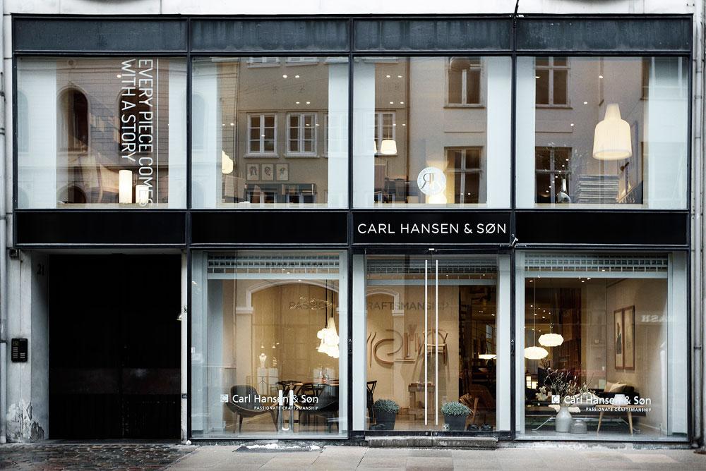 חנות הדגל של קארל הנסן (ובנו), חברת הריהוט המשפחתית שפועלת כבר כ-100 שנה. החנות שבמרכז קופנהגן משתרעת על פני שתי קומות (באדיבות CARL HANSEN & SØN)