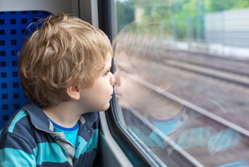 יום תחבורה ציבורית. לנסוע לטיול ברכבת או באוטובוס (צילום: shutterstock)
