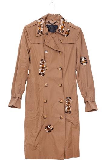מעיל טרנץ' של ברברי (3). למכירה:  עודפים שעלו ביוקר (צילום: ענבל מרמרי)