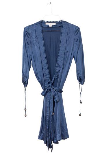 שמלת משי של סטלה מקרטני (2). במקום ארוחה טובה (צילום: ענבל מרמרי)