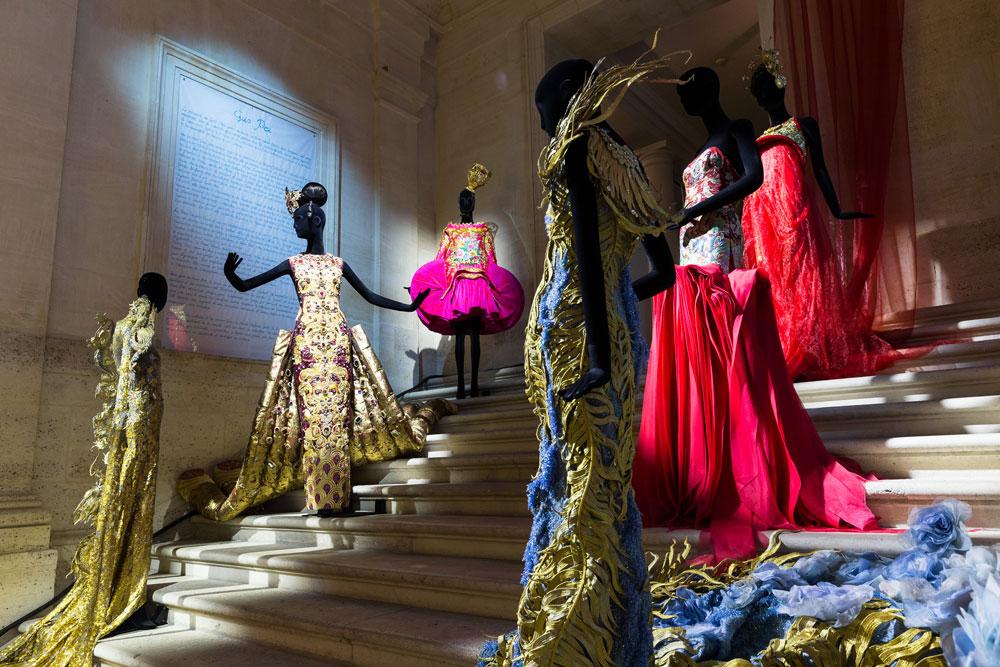ניכר כי פיי פועלת בעולם נטול תכתיבים מסחריים - היא עובדת על שמלה אחת 300 שעות בממוצע, ומשלבת בעיצוביה אלמנטים מהתרבות הסינית. תודו שזה מרהיב  (צילום: gettyimages)