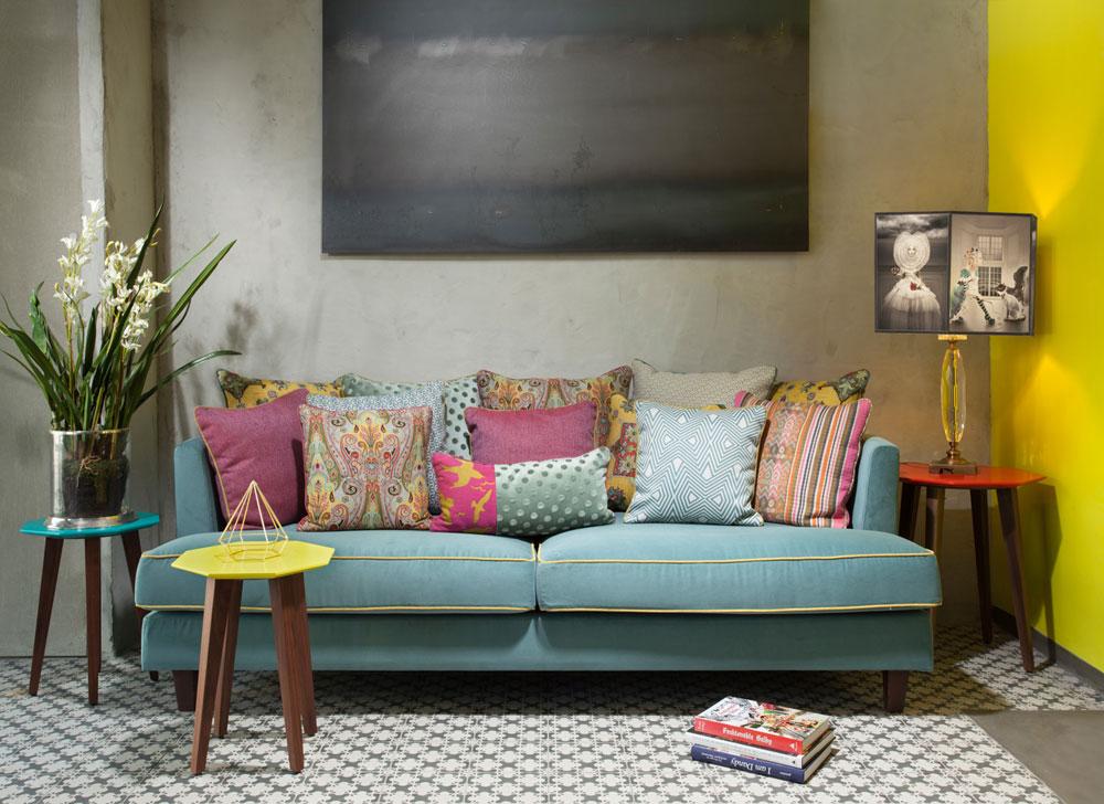 """""""בוטיק שכטר"""" החדש: שלוש קומות שבהן מוצגים בדי ריפוד, וילונות, טפטים, שטיחים ואביזרים נלווים (צילום: ארי אקרמן)"""