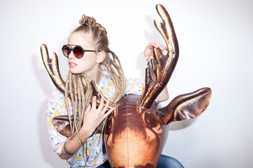 """אחרי סיור בסוכנויות דוגמנות ברחבי הארץ, צוות הטלוויזיה הגרמני בחר כמייצגת היופי הישראלי את הברמנית הצעירה ילידת אוקראינה דריה קובץ, שהופיעה הקיץ גם בקמפיין ה""""אנשים אמיתיים"""" של Xray  (צילום: תום מרשק)"""