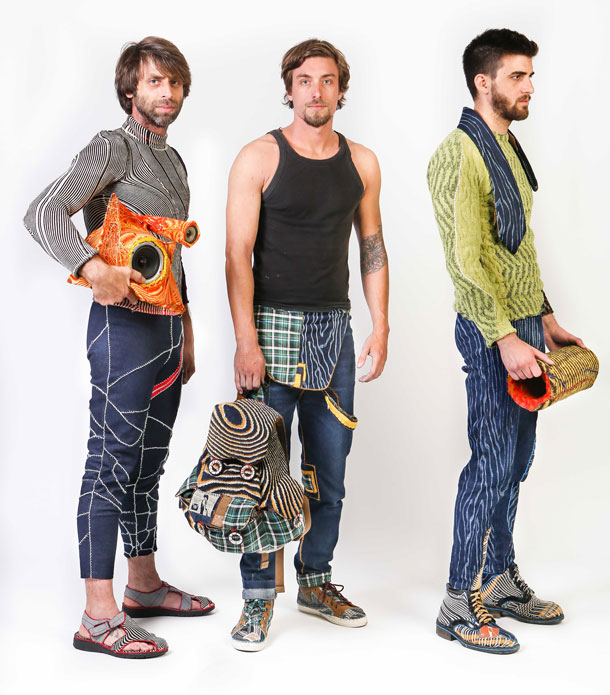 חלק מפרויקט הגמר (שי משמאל): בגדים, תיקים ונעליים (צילום: אחיקם בן-יוסף)