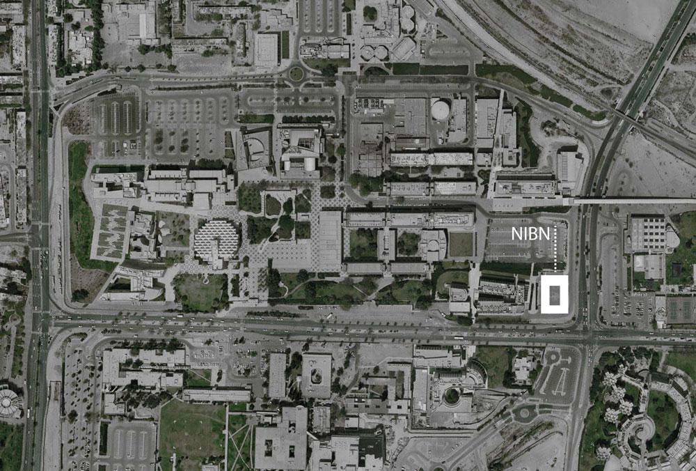תצלום אוויר של קמפוס אוניברסיטת בן גוריון. הבניין החדש מסומן במלבן לבן (באדיבות חיוטין אדריכלים)