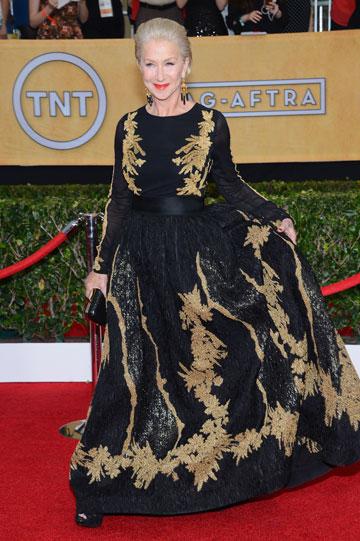 """""""צריך להחזיר את שמלות השרוולים, קצרות או ארוכות"""". מירן על השטיח האדום (צילום: gettyimages)"""