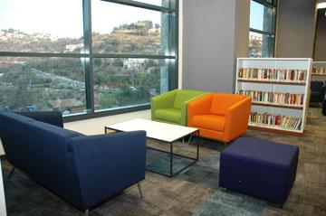 השימור שכבר נעשה: בית וואהל הפך לספרייה האקדמית (צילום: יוני לובלינר)
